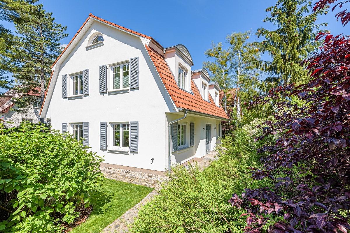 landhaus-mansarde-mansardvilla-erker-biberschwanz-4