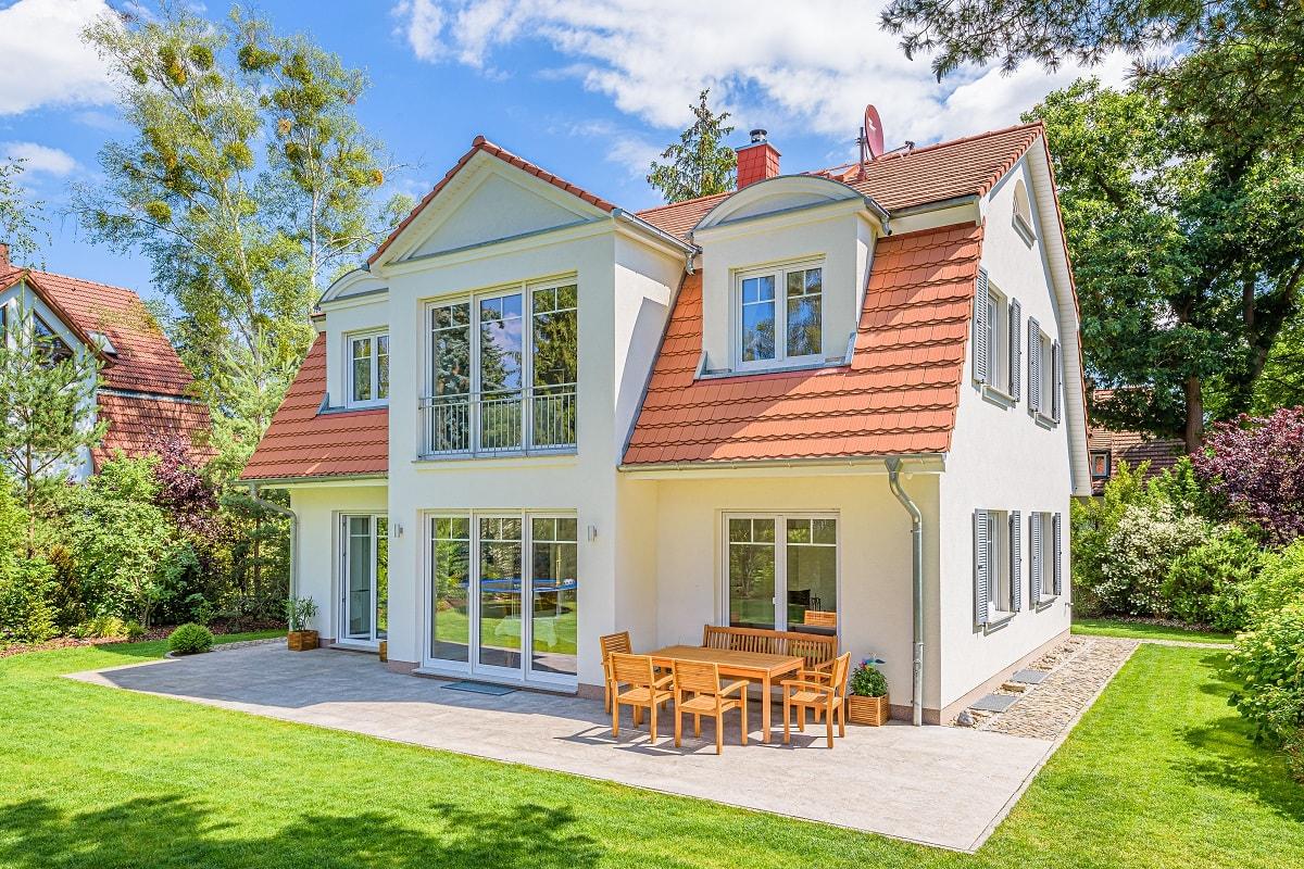 landhaus-mansarde-mansardvilla-erker-biberschwanz-5