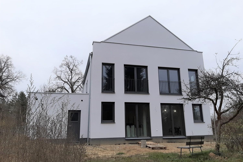 hausbesichtigung-satteldachhaus-dallgow-doeberitz-terrasse