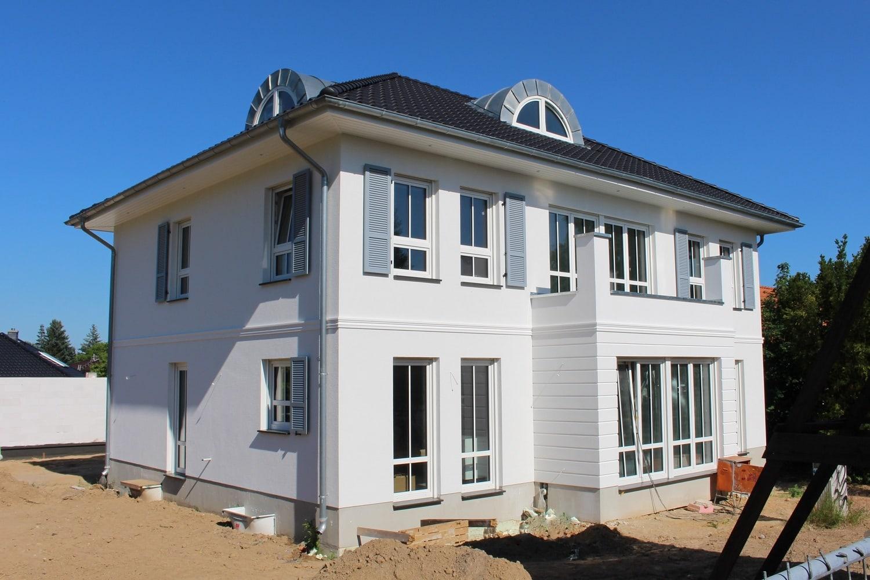 hausbesichtigung-stadtvilla-jugendstil-hoppegarten-terrasse